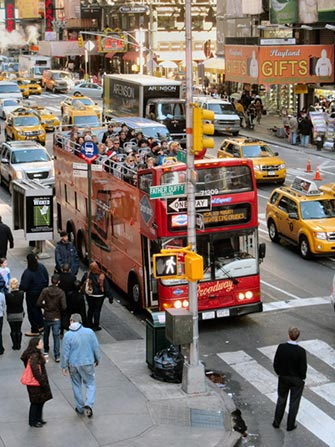 Hop-On Hop-Off buss i New York - Gray Line rød buss