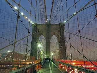 Brooklyn Bridge - Om natten