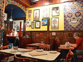 Best pizza i New York - Inn i Johns Pizzeria ved Bleecker Street