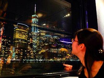 Cruise med middagsbuffé i New York - Utsikt