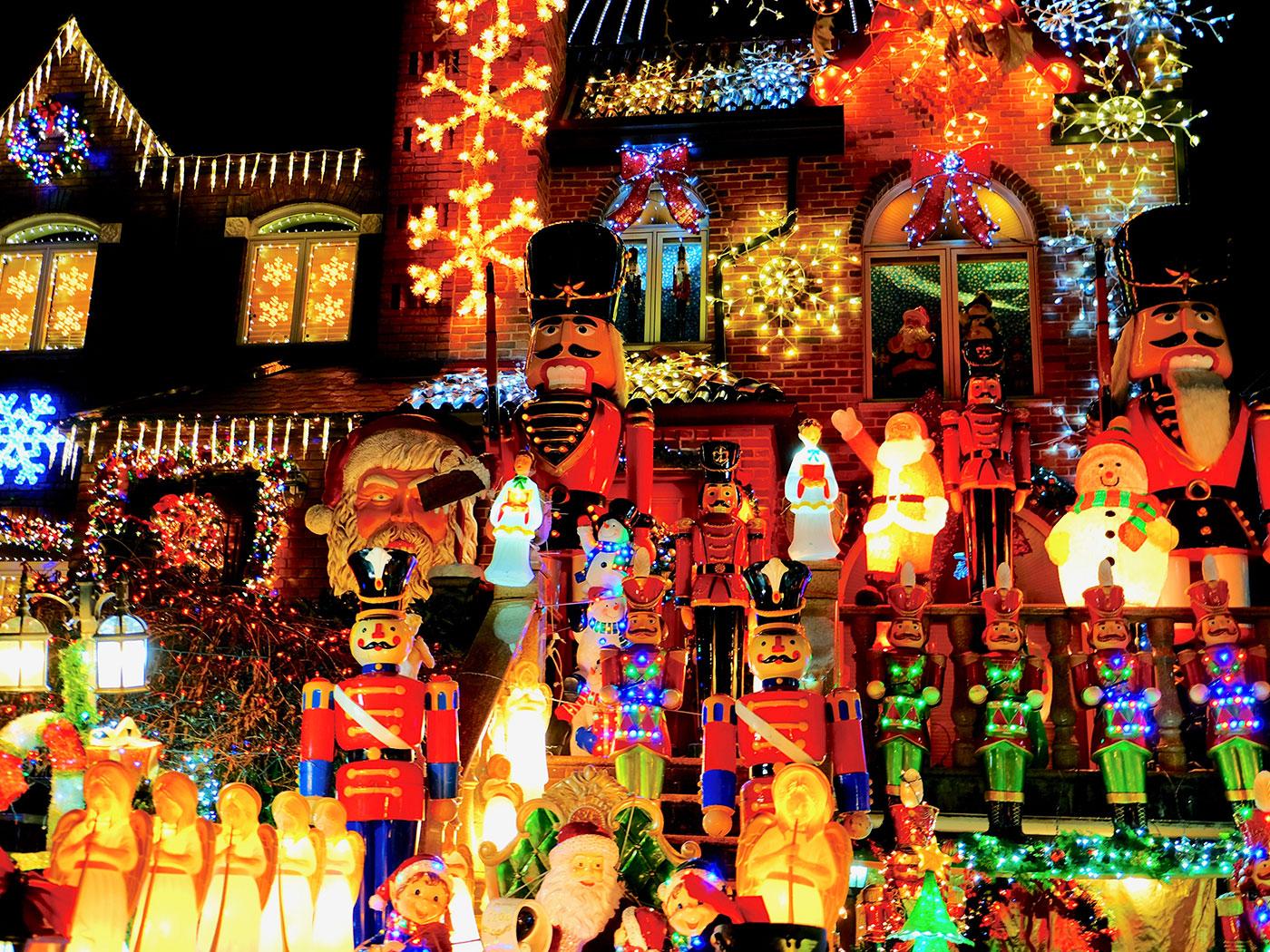 Dyker Heights Christmas Lights - Figurer