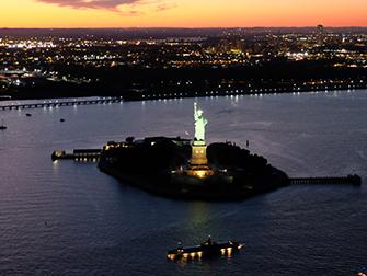 Helikopter kveldstur og cruise i New York - Statue of Liberty