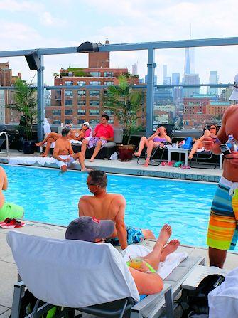 Svømming i New York - Royalton