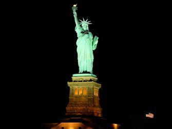 Bateaux New York cruise med middag - Frihetsgudinnen