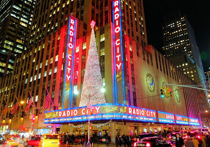 Jul i New York - Radio City Music Hall