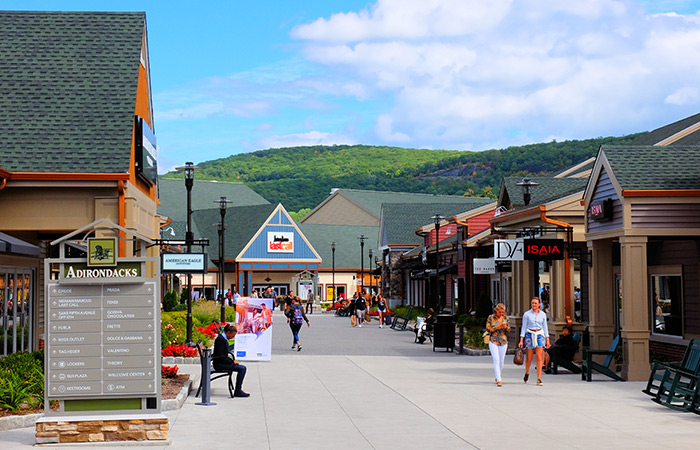 Woodbury Common Premium Outlet Center i New York - Shopping
