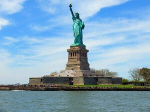 Bateaux cruise med lunsj i New York - Frihetsgudinnen