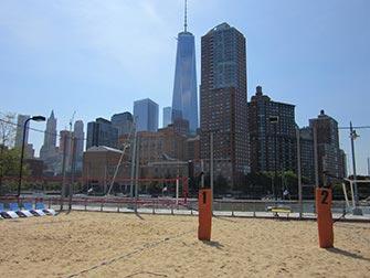 Tribeca i New York - Pier25 og strandvolleyball