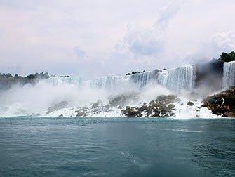 New York til Niagara Falls dagstur med buss - Utsikten fra Maid of the Mist