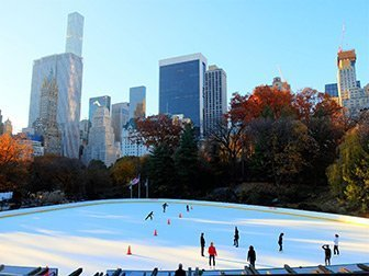 Central Park - Staa paa skoeyter paa Wollman Rink